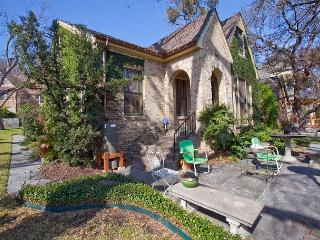 Beautiful Hilltop Cottage By The Park - Texas Hill Country vacation rentals