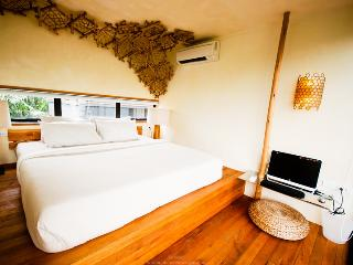 ECO-Home on the River + Airport Transfer/Breakfast - Bangkok vacation rentals