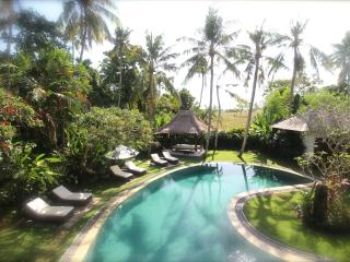 FC Residence Exclusive 8 bedroom retreat in Canggu - Pererenan vacation rentals