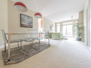 LUXURIOUS 4 BR APT 5 MIN FROM COAST - Vancouver vacation rentals