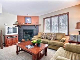 Cozy Furnishings and Decor - Spacious Balcony with Summer BBQ (6020) - Mont Tremblant vacation rentals