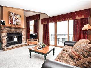 Beautiful View of Lake Tremblant - Accommodates Large Groups Comfortably (6042) - Quebec vacation rentals