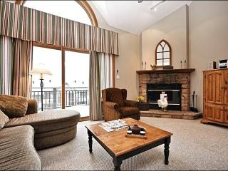 Lovely Views of Lake Tremblant & Mountains - Short Walk into Village (6044) - Mont Tremblant vacation rentals