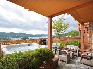 Private Terrace with Outdoor Hot Tub - Just a Short Walk to the Village Shops and Restraunts (6065) - Quebec vacation rentals
