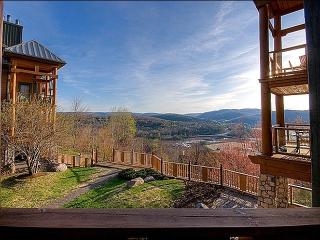 Incredible Lake and Mountain Views - Cozy Furnishings and Decor (6067) - Quebec vacation rentals