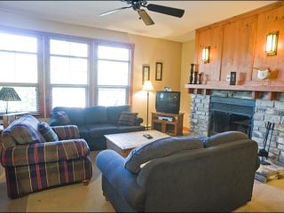 Common Area All Year Hot Tub - Incredible Surrounding Mountain and Nature Views (6177) - Quebec vacation rentals