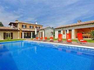 Newly built holiday house for 10 persons, with swimming pool , in Porec - Kringa vacation rentals