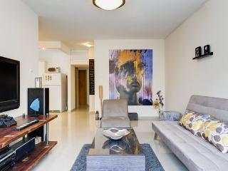 Prime And Chic Haven Close To Beach - Tel Aviv vacation rentals