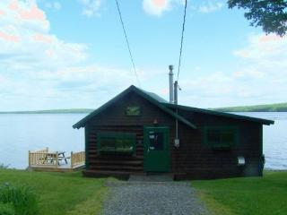 #123 This cabin redefines being `ON the lake!` - Maine Highlands vacation rentals