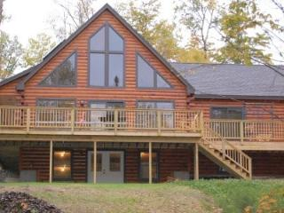 #135 New lodge on northern Moosehead Lake - Rockwood vacation rentals