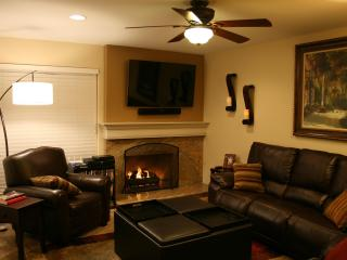 A Great Place to Relax -- Extended Vacations & Short-Term Executive Home - Garden Grove vacation rentals