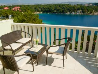 Apartments Miodrag - 44881-A3 - Milna vacation rentals
