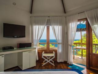 PARADISE PGJ - 139267 - BEACHFRONT HOTEL - ROCKSTEADY - 1 BEDROOM DELUXE CABIN - Montego Bay vacation rentals