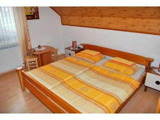 Rooms Ilija - 80201-S6 - Grabovac vacation rentals