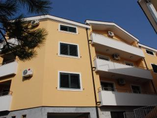 Apartments Ruzica - 92562-A1 - Molunat vacation rentals