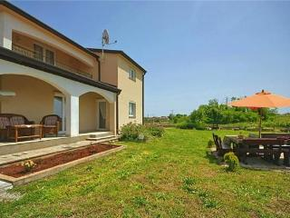 Newly built holiday house for 8 persons in Central Istria - Kastelir vacation rentals