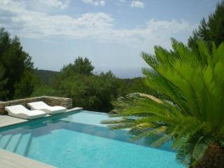 TAR80001 - Cala Tarida vacation rentals