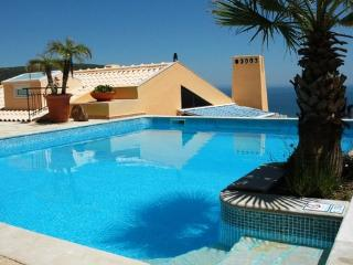Large luxury holiday villa for 8 people with  private heated pool and close to the beach - PT-1078863-Sesimbra - Sesimbra vacation rentals