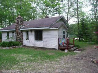 LITTLE HOUSE ON THE FLAMBEAU - Wisconsin vacation rentals