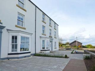 6 SEA LANE, en-suites, open fire, outstanding views, ideal for families, in Embleton, Ref. 20247 - Embleton vacation rentals