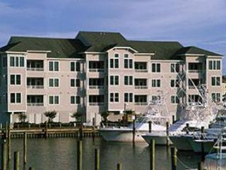 Marinaview 3Br w/ pool access - Gulfstream Village #111 - Manteo vacation rentals