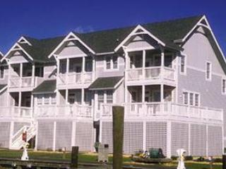 Pet-friendly marinafront 4BR - Gulfstream Village #502 - Image 1 - Manteo - rentals