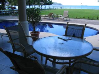 El Destino 1B - Playa Potrero vacation rentals