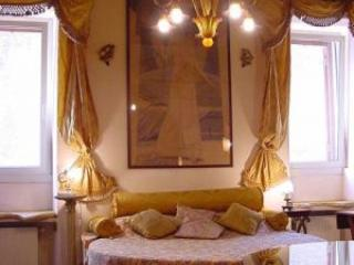 Historical 1BR in historical area - Farnesi - Image 1 - Rome - rentals