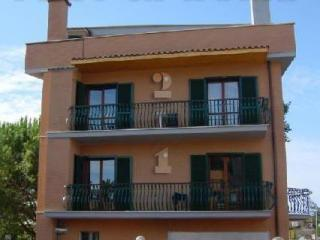 Residence Fiera - 3 apartments in the same building - Rome vacation rentals