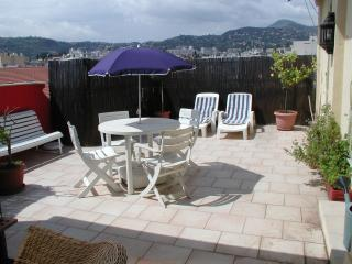 two bedroom penthouse apartment - Nice vacation rentals