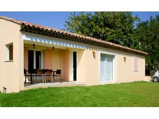 Beautiful Villa + pool Forcalquier area sleeps 6 - Forcalquier vacation rentals