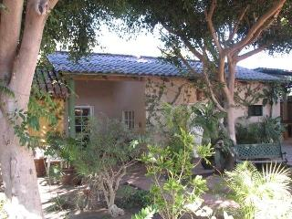 REDUCED! Sleeps 4-Central Close to Waterfront - Loreto vacation rentals