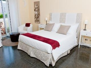 JUSTFOR2! Boutique all inclusive Apt.-Vatican Area - Rome vacation rentals