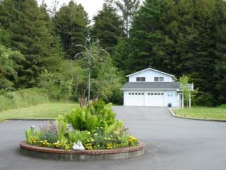Scenic View Stay Amidst Redwoods With Ocean View - Arcata vacation rentals