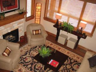 Living room - DEER VALLEY/JORDANELLE GONDOLA--FABULOUS TOWNHOME - Deer Valley - rentals