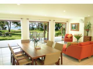 Absolute Beachfront Luxury Vacation Home - Mission Beach vacation rentals