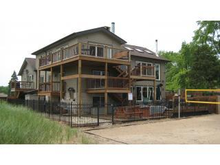 Exterior - Miller Beach, IN Dream Beachfront Vacation Retreat - Gary - rentals