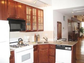 kitchen2 - 2 Bedroom 2.5 Bath on Commonwealth Ave, Back Bay - Boston - rentals