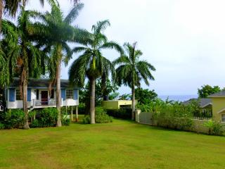 Unparalleled Relaxation by the Caribbean Sea. - Boscobel vacation rentals