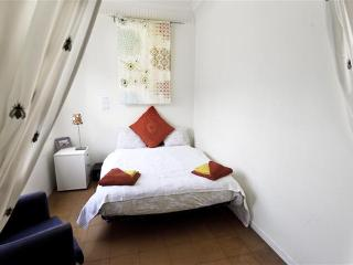 Pau Claris 3 - Brussels vacation rentals