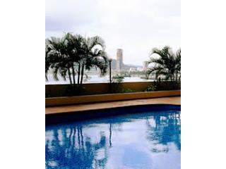 swimming pool - Sweeping bay and city views. Paitilla Exec Aprtmt - Panama City - rentals