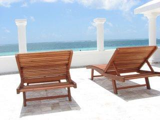 Private patio and beachfront - 3 Bedroom Home on Beach - Sleeps 9 - Puerto Morelos - rentals