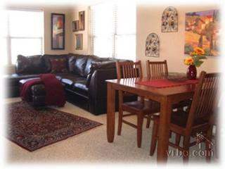Condo din. and liv. rms. - Immaculate, Professionally Decorated Condominium - Fraser - rentals