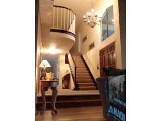 Entrance hall.JPG - San Francisco/Wine Country Executive home - Novato - rentals