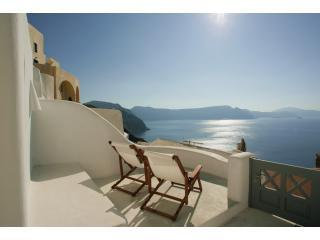 Oia White - stunning Caldera views in Oia village - Oia vacation rentals