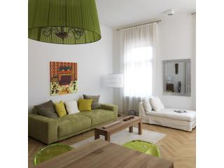 BR1_livingroom - Comfort and Style meet in  Broadway 1 by HipHomes - Budapest - rentals
