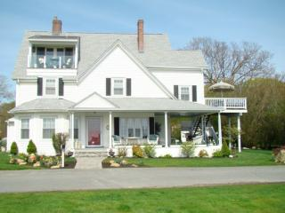 Gracious Victorian Home-Ocean Views-Walk to Beach - Middletown vacation rentals