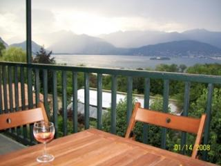 Balcony with view on a rainy day - Lago Maggiore Rental with View of Lake and Alps - Stresa - rentals