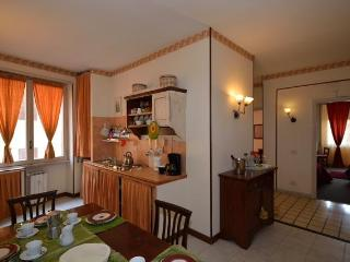 Apartment Marrucini - Rome vacation rentals