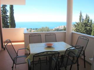 Outdoor Dining Area - Stunning Views over Dubrovnik and the Adriatic - Dubrovnik - rentals